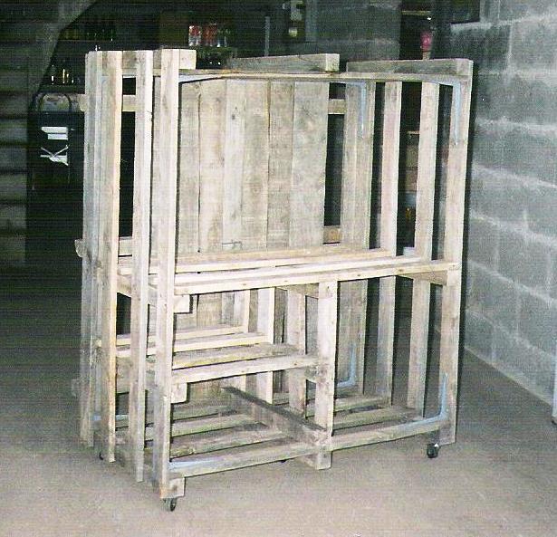 sur la fabrication d un fauteuil de jardin partir de palettes de terrasse en bois. Black Bedroom Furniture Sets. Home Design Ideas
