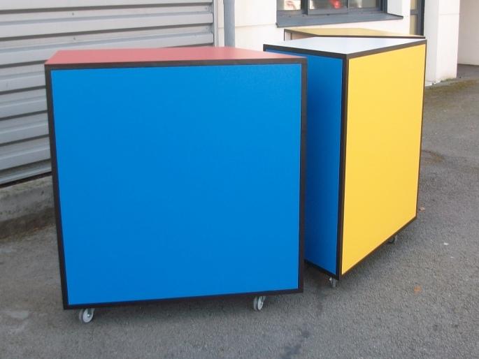 comptoir de caisse d 39 inspiration mondrian art 39 b nart 39 b n. Black Bedroom Furniture Sets. Home Design Ideas